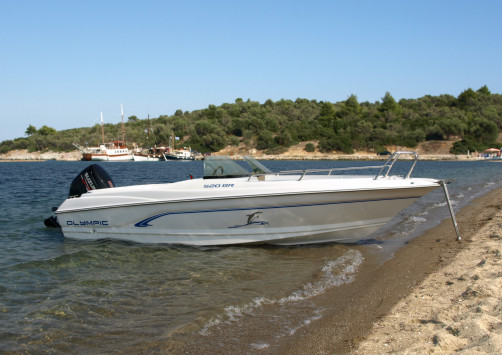 Olympic Boats 520 BR - the new bowrider, featuring modern design and perfect fiberglass finish